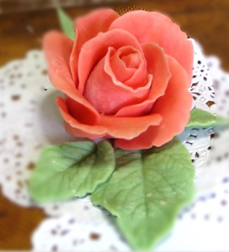 Recette de rose en p te d 39 amande la recette facile - Deco pate d amande ...