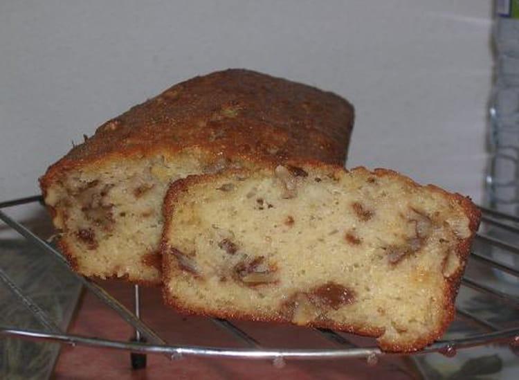 recette de cake la pomme aux raisins secs et aux noix la recette facile. Black Bedroom Furniture Sets. Home Design Ideas