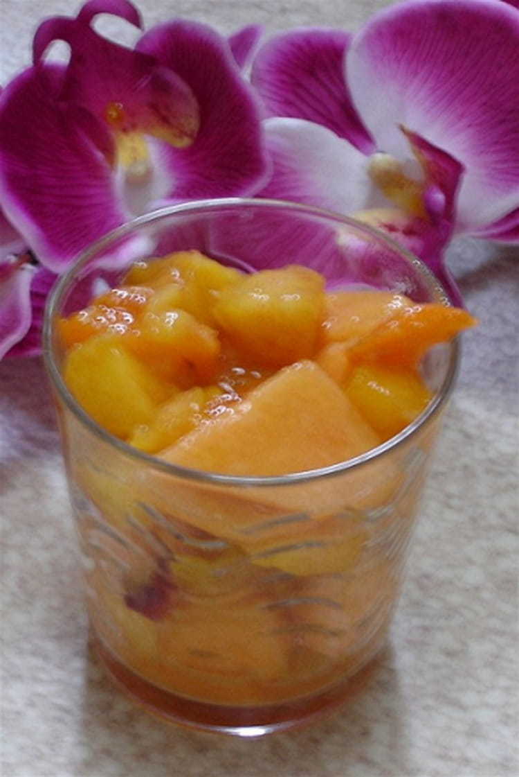 recette de salade de fruits l 39 eau de fleur d 39 oranger la recette facile. Black Bedroom Furniture Sets. Home Design Ideas