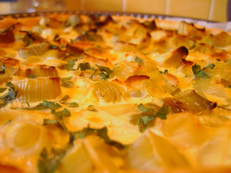 Recette de tarte aux poireaux l g re la recette facile - Tarte aux poireaux legere ...