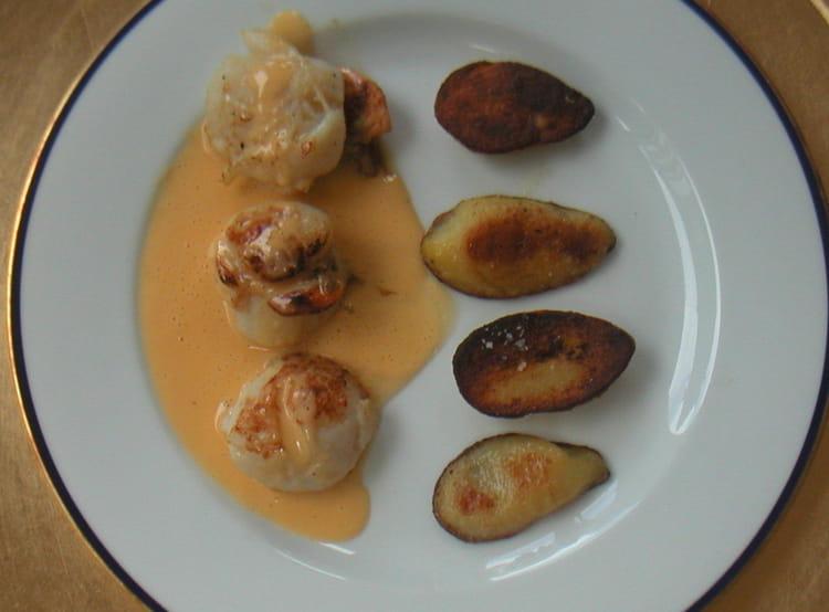 recette de noix de saint jacques au beurre d 39 agrumes la recette facile. Black Bedroom Furniture Sets. Home Design Ideas