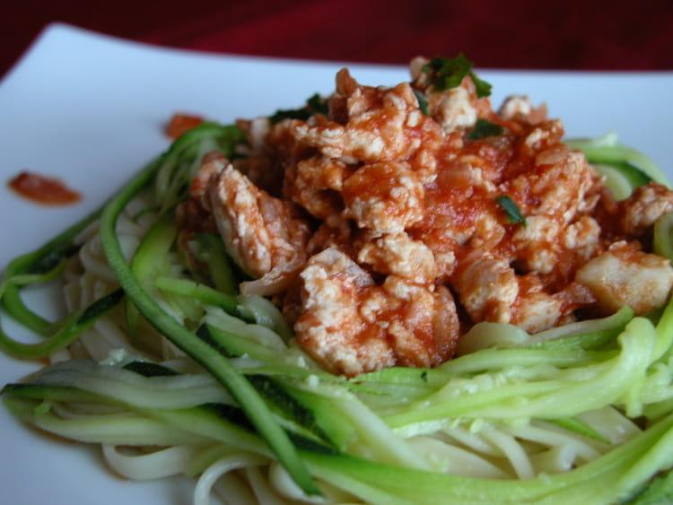 Recette de spaghettis de courgettes et leur hachis de dinde la recette facile - Cuisiner courgette spaghetti ...