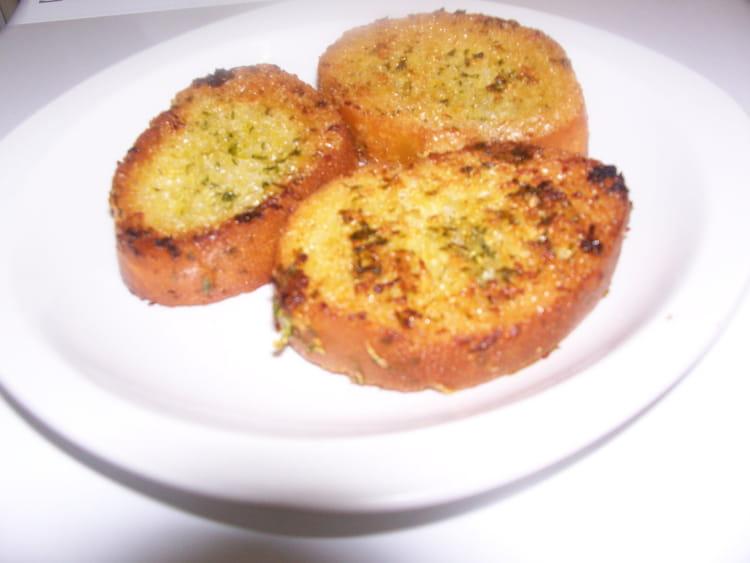Recette de toasts grill s l 39 ail la recette facile - Comment faire griller du pain au four ...