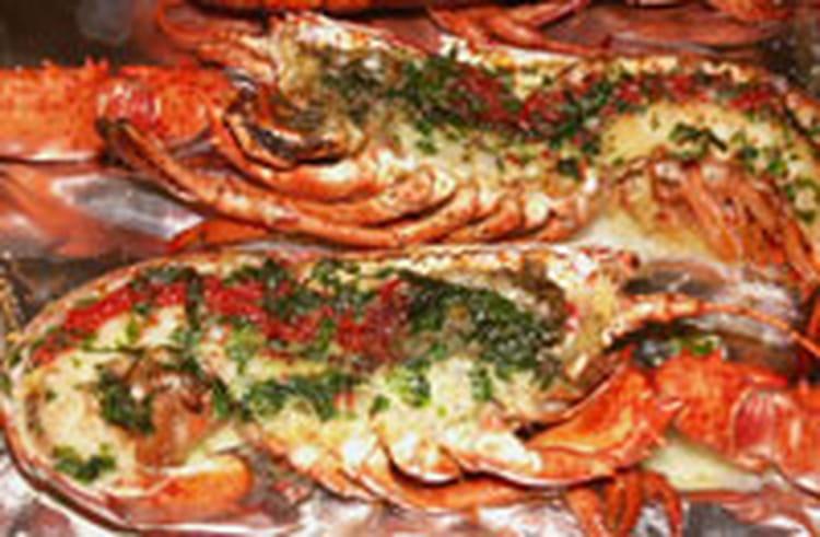 Recette de homard grill au beurre vert anis la recette - Recette homard grille ...