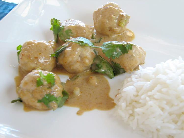 Recette de curry rouge de boulettes de poisson la - Cuisiner poisson blanc ...