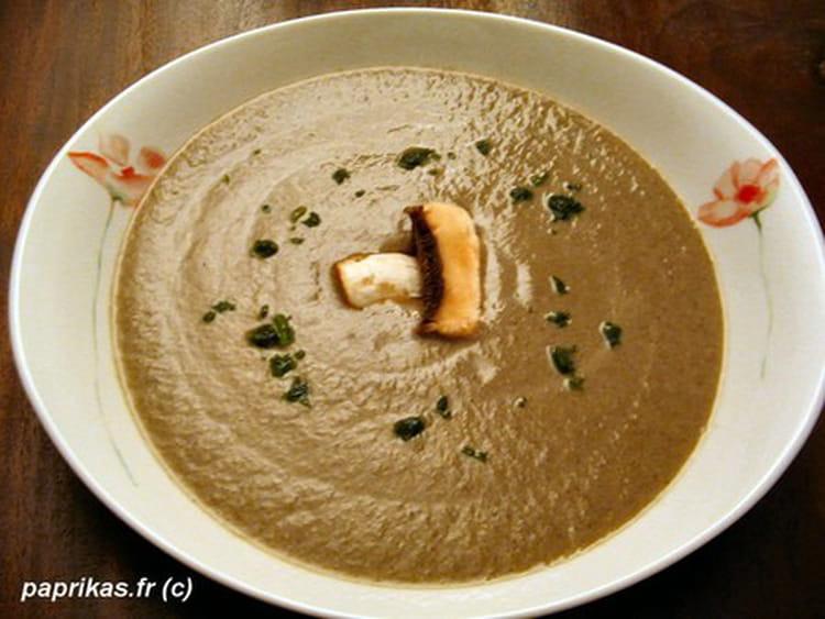 recette de soupe aux champignons et la moutarde la. Black Bedroom Furniture Sets. Home Design Ideas