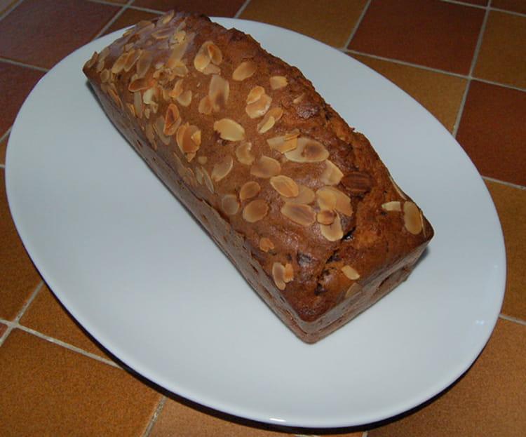 recette de cake poire chocolat amandes la recette facile. Black Bedroom Furniture Sets. Home Design Ideas