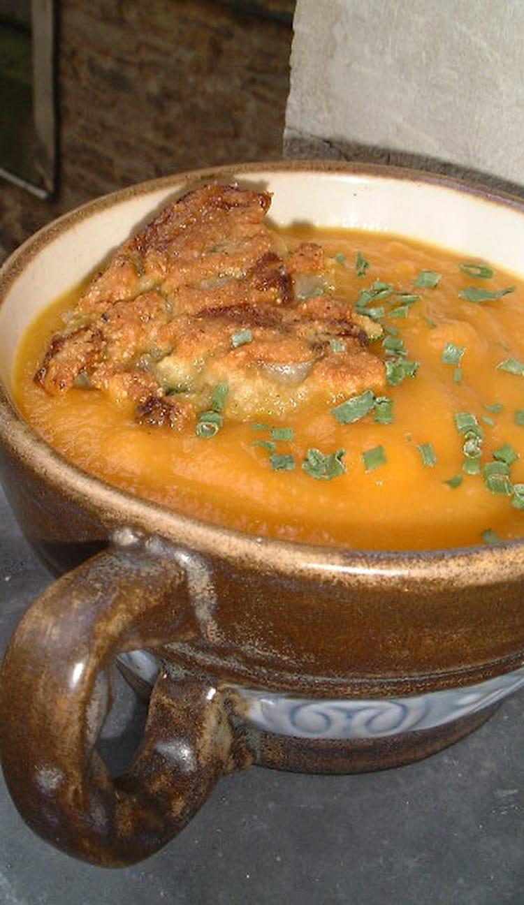 recette de soupe toute carotte et cro tons d 39 endives la recette facile. Black Bedroom Furniture Sets. Home Design Ideas