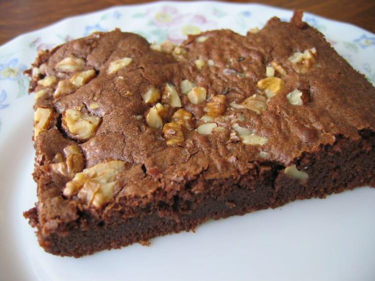 recette de brownie au chocolat noir et noix la recette facile. Black Bedroom Furniture Sets. Home Design Ideas