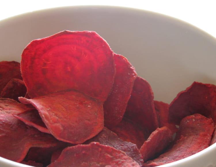Recette chips de betteraves amuse gueule - Cuisiner les betteraves rouges ...