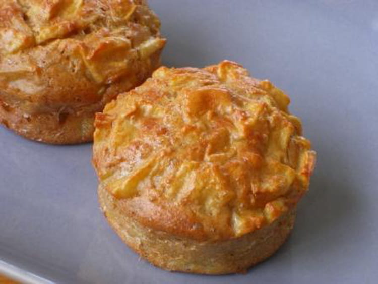 recette de muffins l gers aux pommes la recette facile. Black Bedroom Furniture Sets. Home Design Ideas