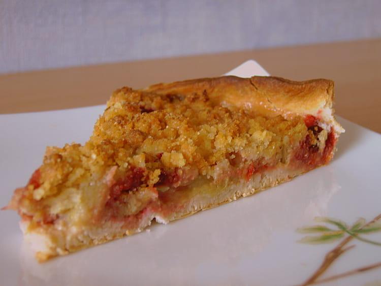 recette de tarte rhubarbe amandine en crumble la recette facile. Black Bedroom Furniture Sets. Home Design Ideas