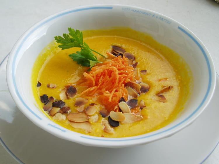 recette de velout de carottes au curry la recette facile. Black Bedroom Furniture Sets. Home Design Ideas