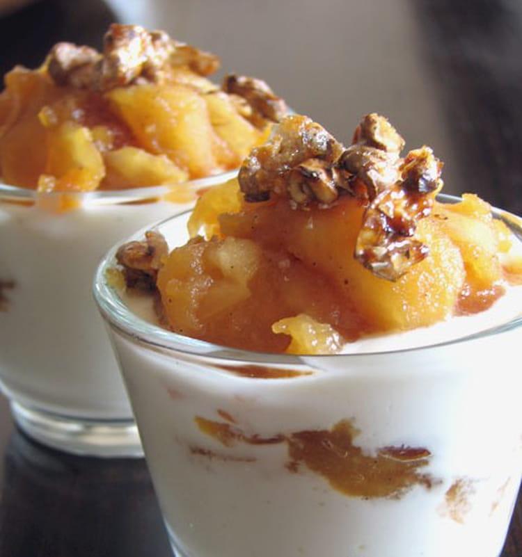 recette de verrines aux pommes 233 pic 233 es et noix caram 233 lis 233 es la recette facile