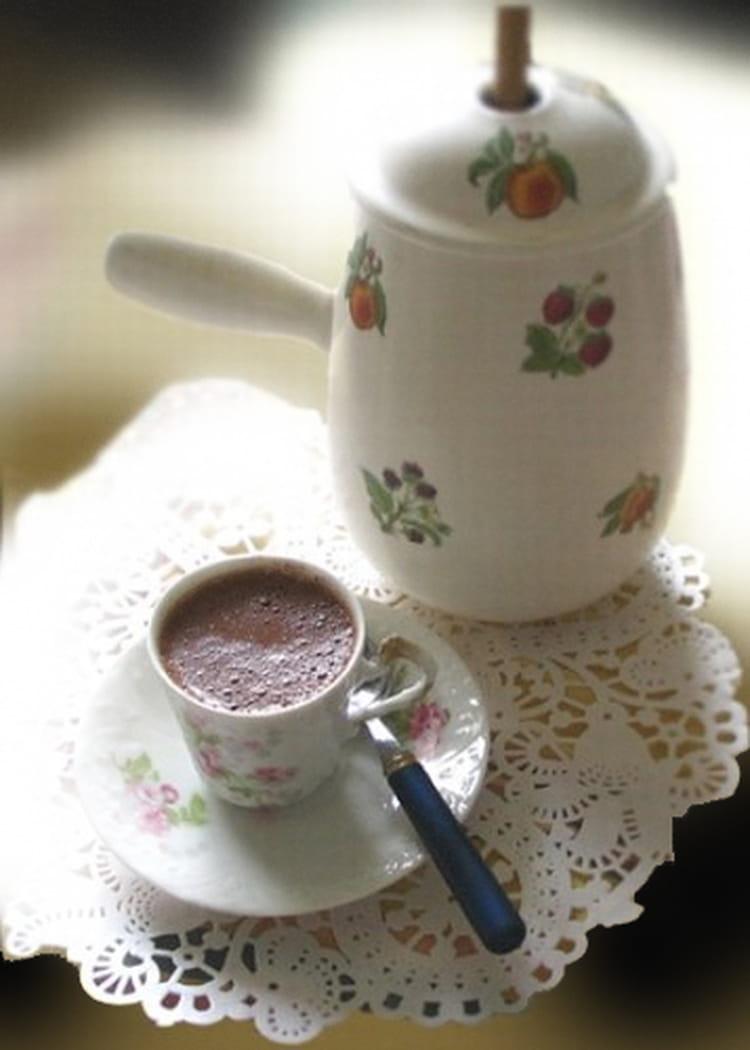 recette de chocolat au lait d 39 amande la recette facile. Black Bedroom Furniture Sets. Home Design Ideas