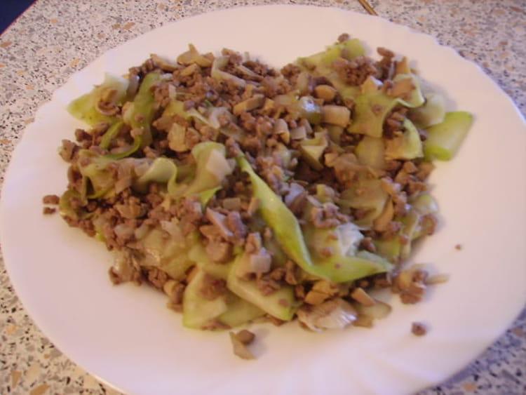 Recette de m lange l ger courgette champignons steak hach la recette facile - Cuisiner courgettes poele ...