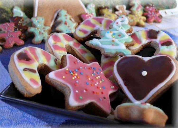 Recette de biscuits de no l en pain d 39 pices la recette facile - Biscuit de noel facile ...