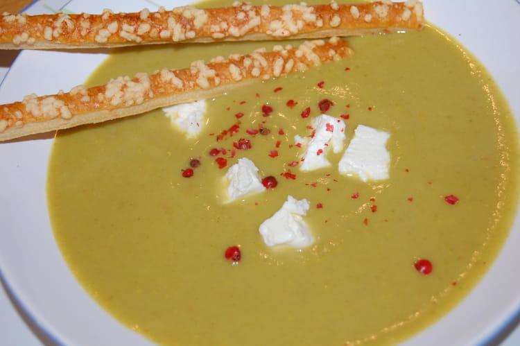Recette de velout de brocolis et carr frais la recette - Cuisiner des brocolis frais ...