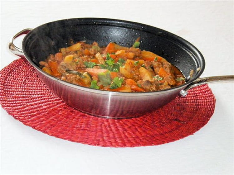 Recette de wok de filet mignon de porc au curry de l gumes - Cuisiner le filet mignon de porc en cocotte ...