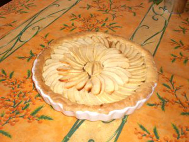 recette de tarte aux pommes normande au calvados la recette facile. Black Bedroom Furniture Sets. Home Design Ideas