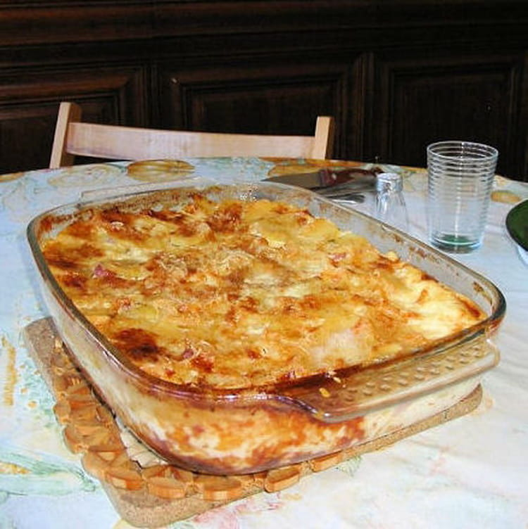 gratin dauphinois lard fum et fromage la recette facile. Black Bedroom Furniture Sets. Home Design Ideas