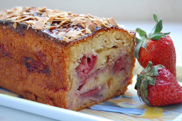 Recette Cake Design Fraise : Recette de Cake aux fraises, miel et amandes : la recette ...