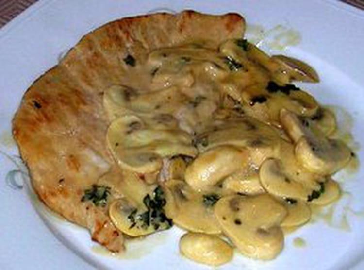 Recette escalopes normandes la recette facile - Cuisiner la seiche fraiche ...