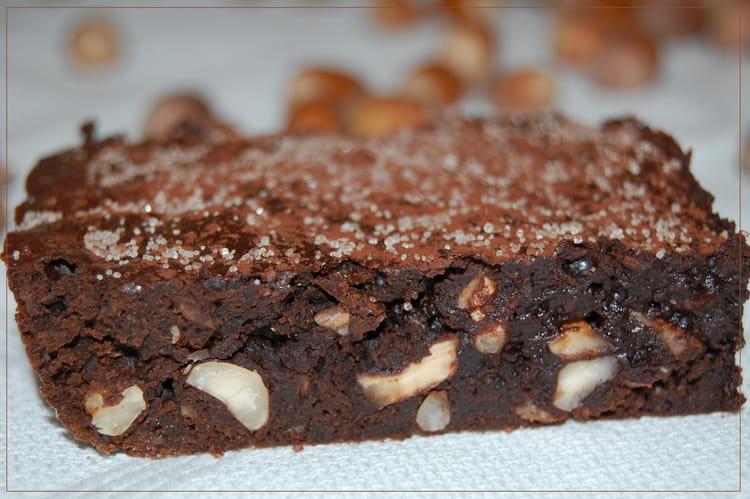 recette de brownie au chocolat noir et noisettes la. Black Bedroom Furniture Sets. Home Design Ideas