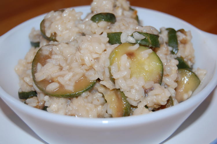 recette de risotto aux courgettes oignon et parmesan la. Black Bedroom Furniture Sets. Home Design Ideas