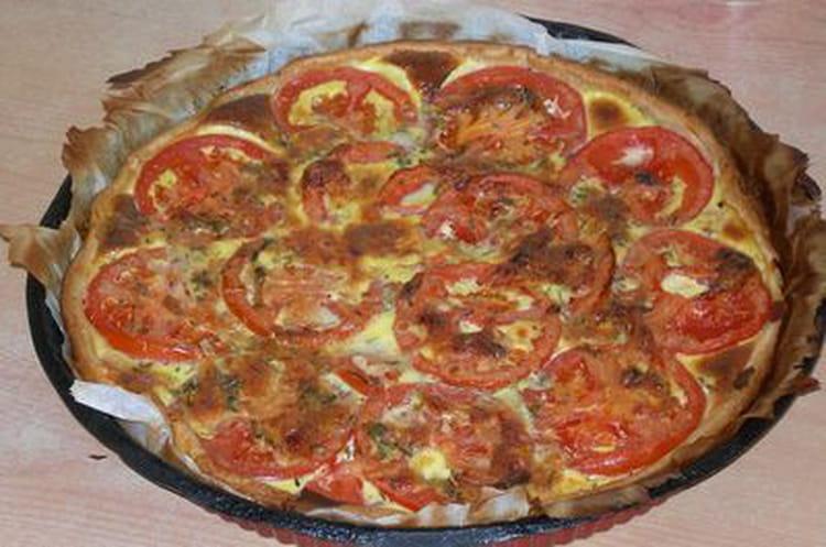 recette de tarte thon tomates moutarde la recette facile. Black Bedroom Furniture Sets. Home Design Ideas