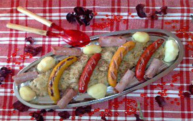 Recette de choucroute royale au champagne la recette facile - Cuisiner choucroute crue ...