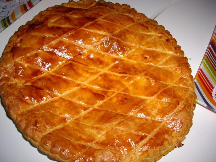 Galette des rois recipe dishmaps for Galette des rois a la frangipane