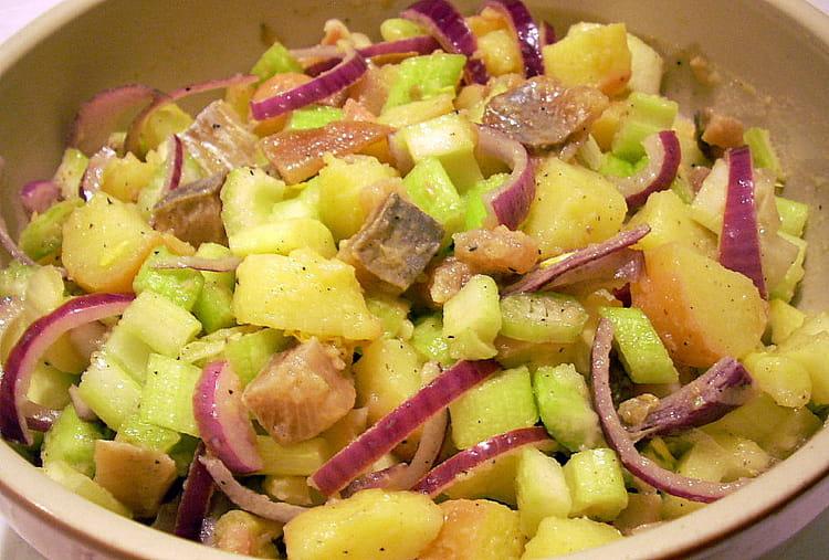 recette de salade parmenti re aux harengs et aux c leris la recette facile. Black Bedroom Furniture Sets. Home Design Ideas
