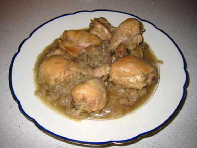 recette de poulet aux oignons la bi re la recette facile. Black Bedroom Furniture Sets. Home Design Ideas
