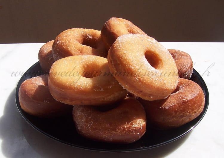 Recette de beignets doughnuts ou donuts la recette facile - Recette beignet facile avec levure de boulanger ...