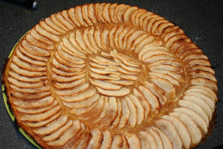 recette de tarte fine aux pommes et compote de pommes la recette facile. Black Bedroom Furniture Sets. Home Design Ideas