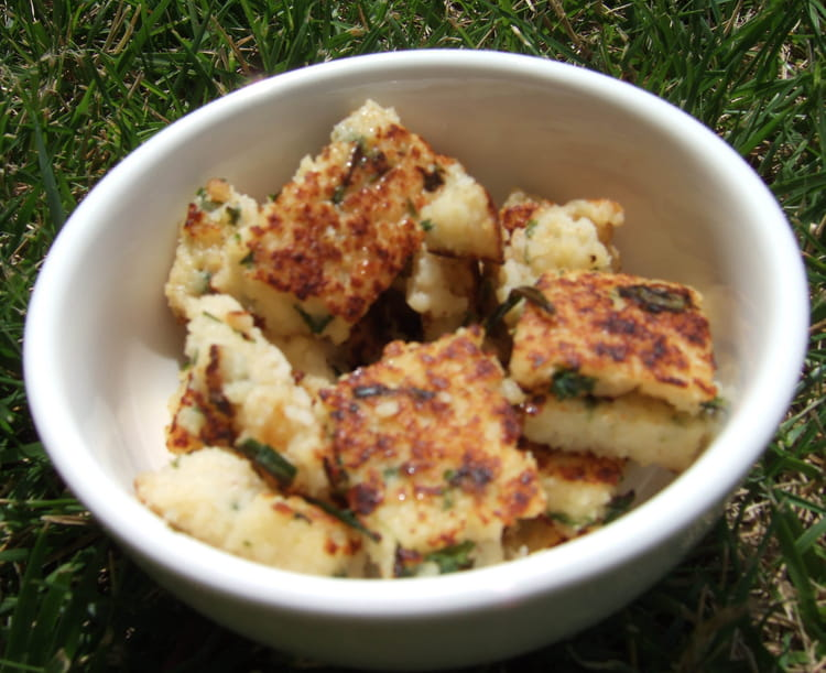 Recette de gnocchis de semoule persil ciboulette la - Cuisiner des gnocchis ...
