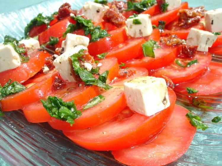 Recette de salade de tomates la recette facile - Salade de tomates simple ...