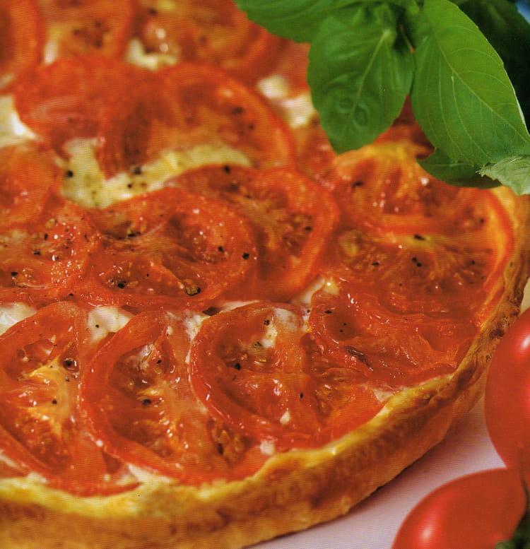 recette de tarte thon et tomates au basilic la recette facile. Black Bedroom Furniture Sets. Home Design Ideas