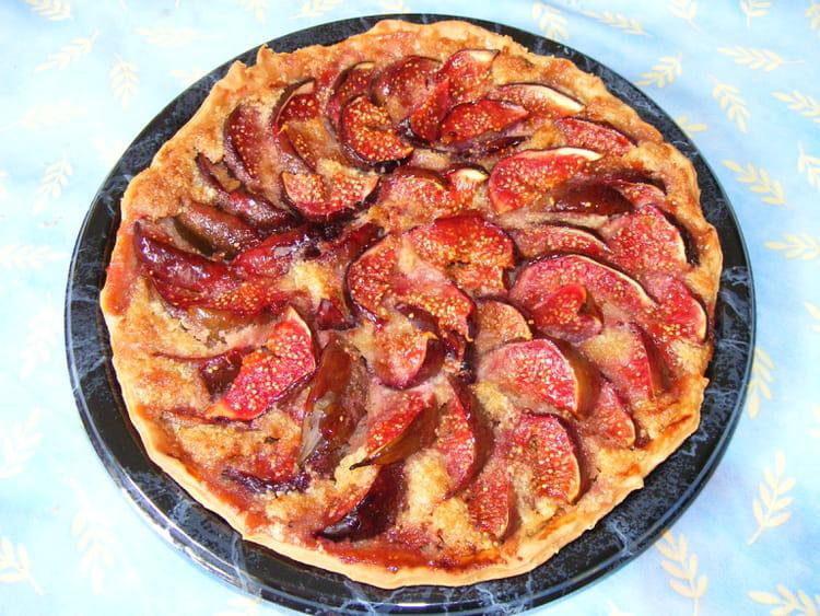 Recette de tarte amandine aux figues la recette facile - Cuisiner des figues fraiches ...