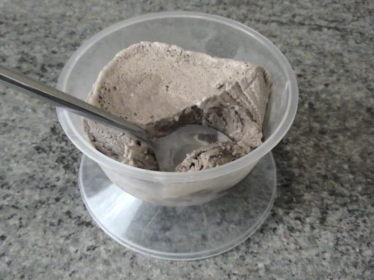 Recette de glace au chocolat la recette facile - Recette de glace facile ...