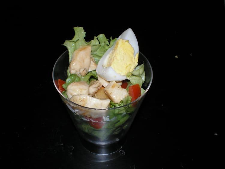 Recette de salade c sar au poulet la recette facile - Recette salade cesar au poulet grille ...