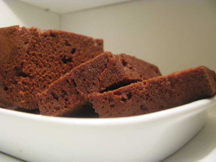 Recette de cake au chocolat la recette facile - Cuisiner au micro onde ...