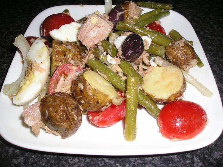 recette de salade de pommes de terre au thon la recette. Black Bedroom Furniture Sets. Home Design Ideas