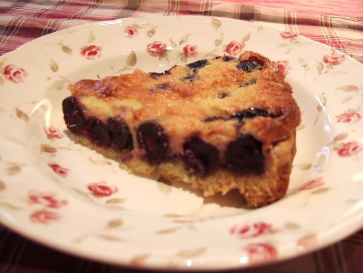 recette de tarte clafoutis aux cerises noires la recette facile. Black Bedroom Furniture Sets. Home Design Ideas