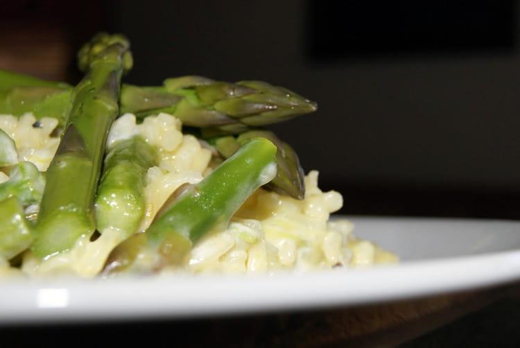 recette de risotto cr meux aux asperges vertes la. Black Bedroom Furniture Sets. Home Design Ideas