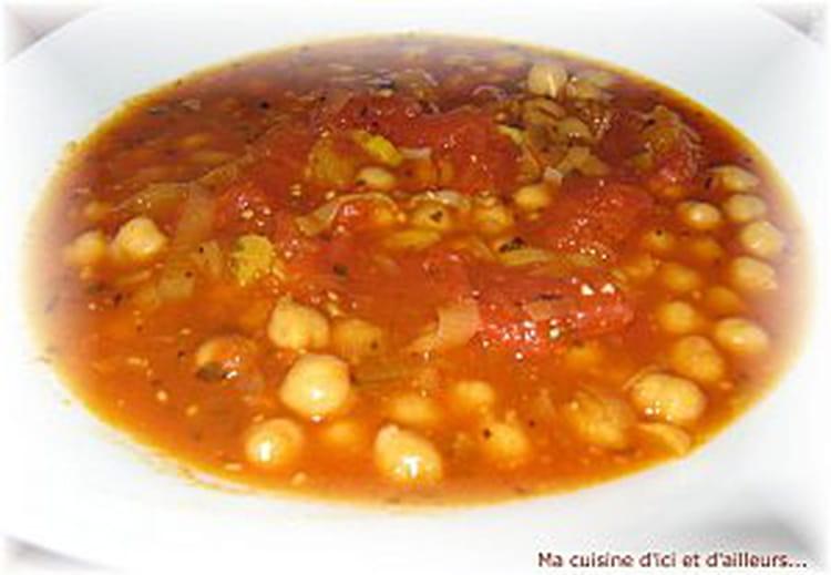 Recette de soupe de tomates aux pois chiches et l 39 origan la recette facile - Par quoi remplacer l origan ...