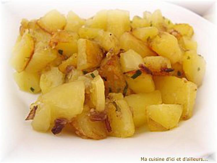 recette de pommes de terre saut es au vinaigre la recette facile. Black Bedroom Furniture Sets. Home Design Ideas