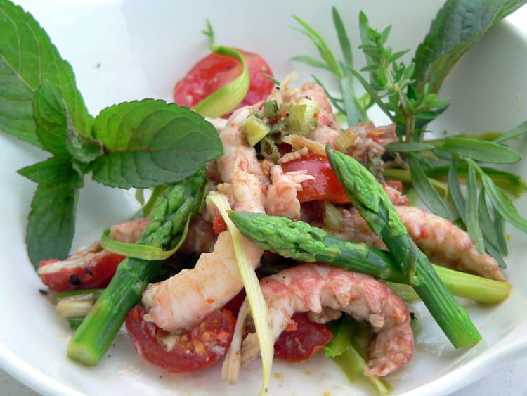 recette de salade de langoustines aux asperges vertes la. Black Bedroom Furniture Sets. Home Design Ideas