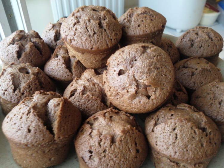 recette de mini muffins au chocolat au lait au caramel la recette facile. Black Bedroom Furniture Sets. Home Design Ideas